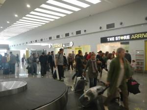 Острая нехватка персонала возникла в Болгарии. Аэропорт Варна, новый терминал, Аэропорт Варна внутри