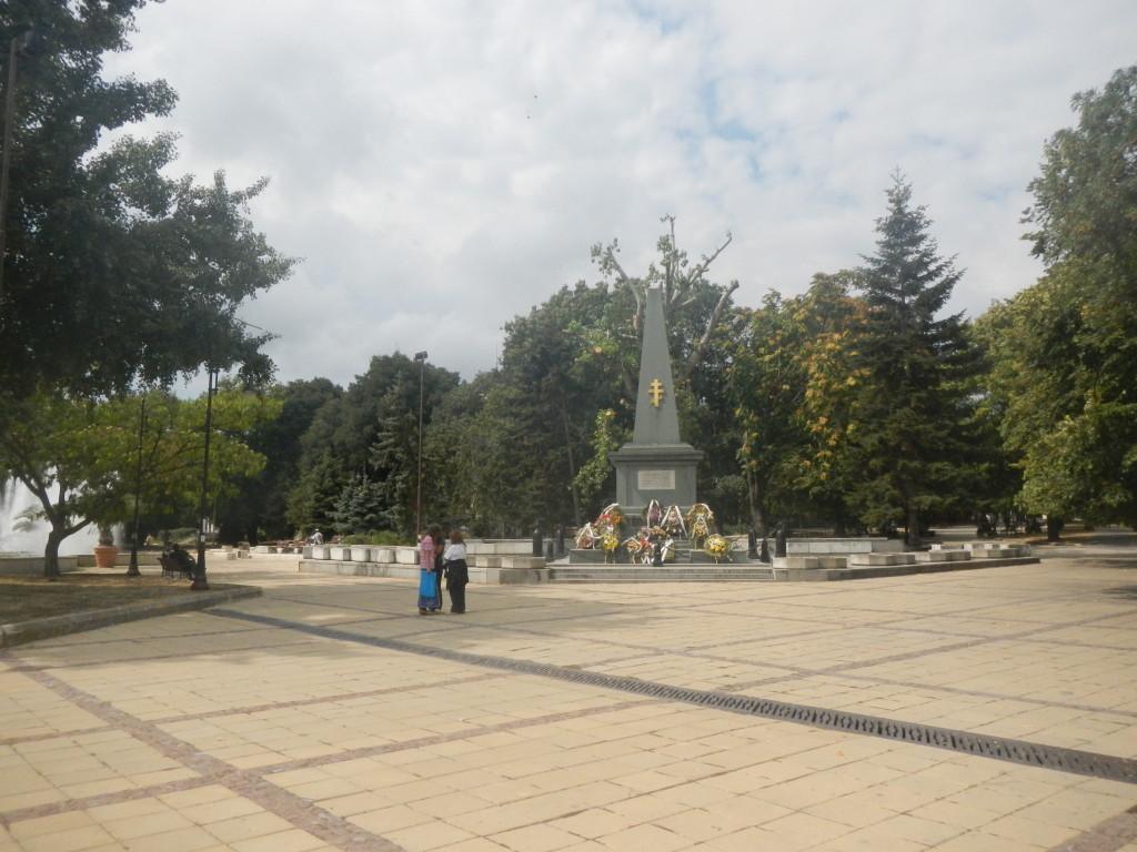 достопримечательности Варны список памятник воинам морякам в сербско-болгарской войне фото