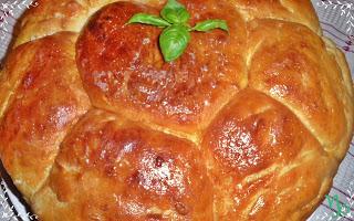 Петкова пита - это специальный пирог или хлеб, батон, сдобная булка
