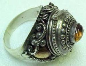 Кольцо убийцы перстень-убийца перстень с ядом