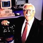 Петр Петров изобретатель первый электронных наручных часов