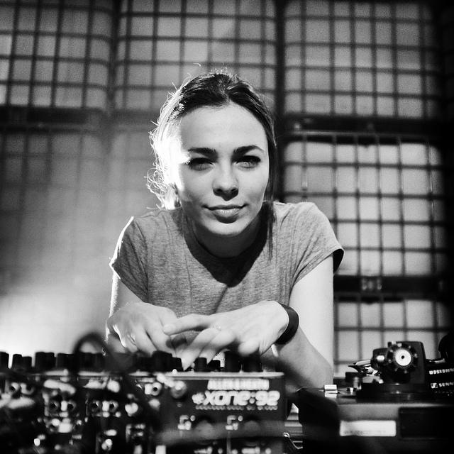 какао бич диджей Нина Кравиз DJ Nina Kraviz солнечный берег болгария