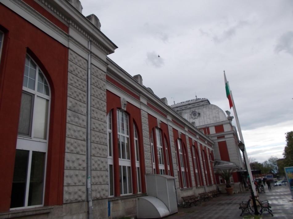 ЖД вокзал города Варна картинка