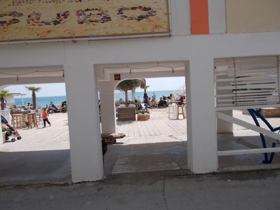 Пляжи Варны. Пляжный ресторан Кубо фото