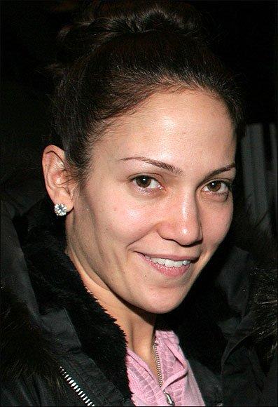 Без грима певица Дженнифер Лопес фото