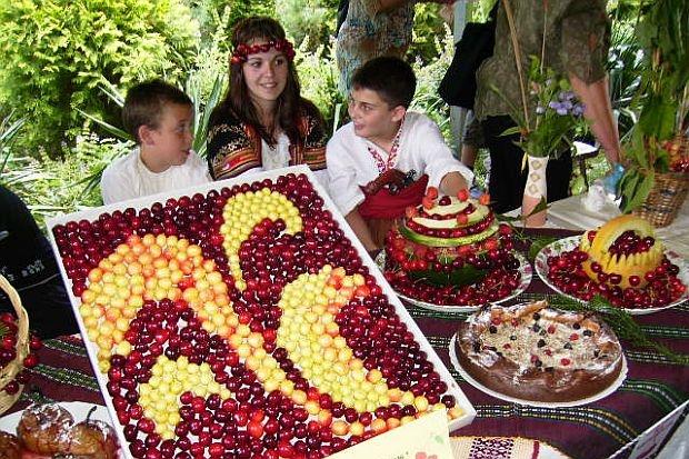 Сорта черешни хорошо демонстрирует праздник в Кюстендиле