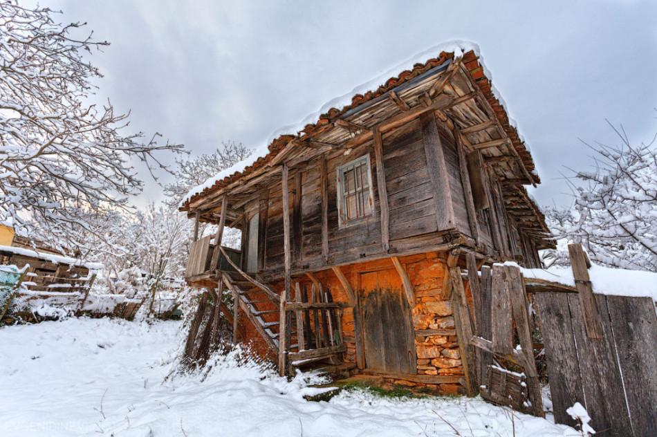 30 самых необычных красивых фото - старный дом в деревне Брышлян