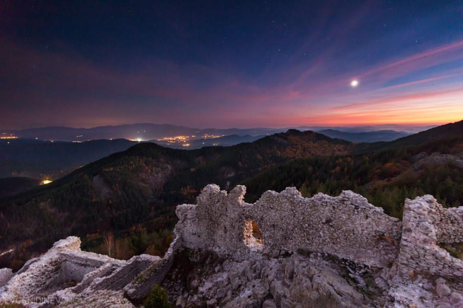 30 самых необычных красивых фото византийская крепость Устра в Родопских горах