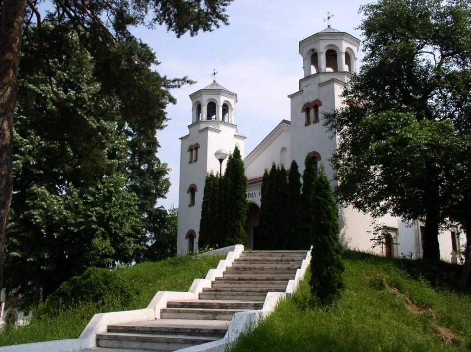 Храм св Кирилла и Мефодия фото