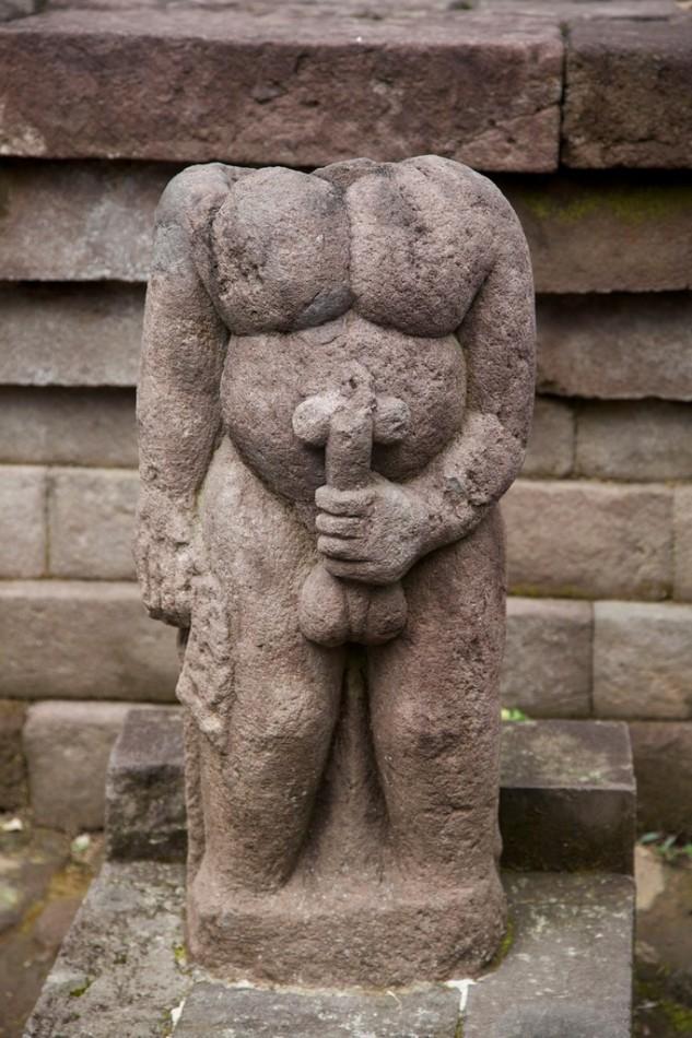 храм приапа древний фаллос или член