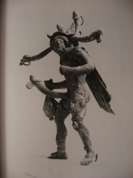 храм приапа скульптура из древней помпеи