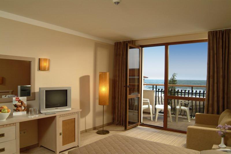 Обзор отель Мирамар фото комнаты