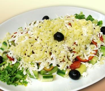 овчарский салат с сыром и брынзой