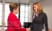 министр туризма Болгарии Николина Ангелкова на встрече с вице-президентом Европейской комиссии и бюджета ЕС Кристалиной Георгиевой