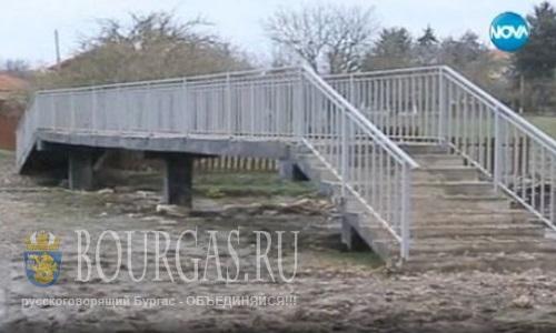 В Болгарии построили странный мост