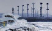 шторм в порту Бургаса, в болгарском Причерноморье