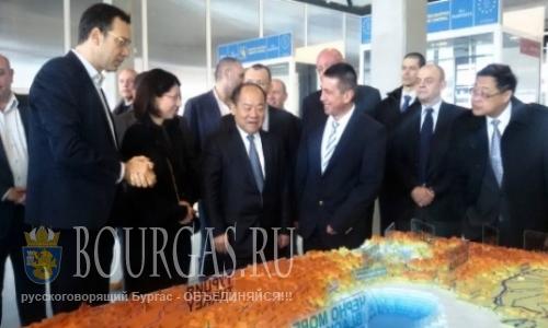 Китай готов инвестировать в Бургас и Варну