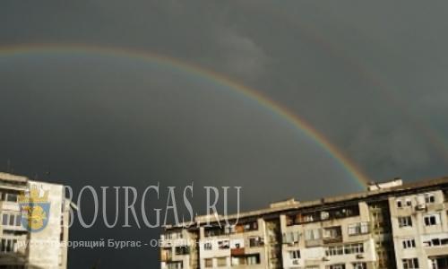 Двойная радуга в небе над Бургасом