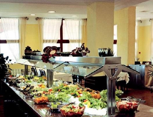 Болгария отель Riu Helios Bay шведский стол