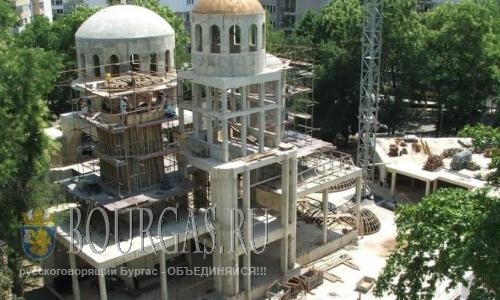 В Варне достраивают самый большой храм в городе