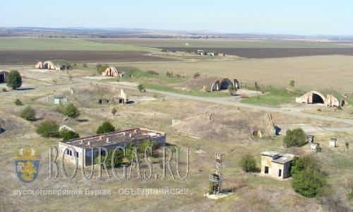 военный аэропорт в селении Равнец Болгария