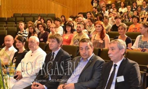 100 иностранцев учат болгарский язык в Велико Тырново