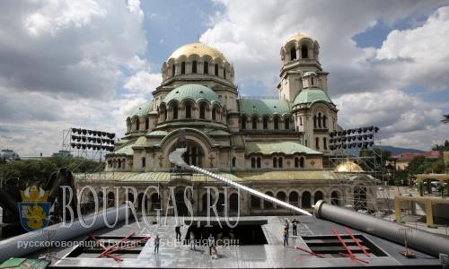 19 июля 2016 года, Болгария, София, сооружение сцены у собора Святого Александра Невского