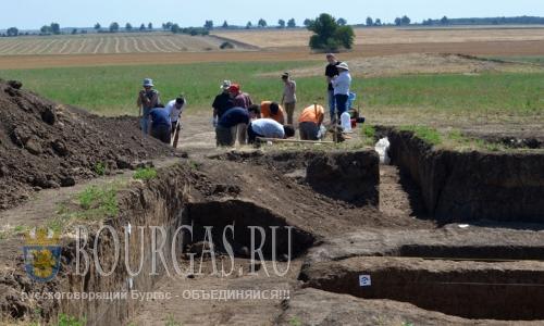 27 июля 2016 года, Болгария, Разданская область, раскопки в историко-археологическом заповеднике Сборяново