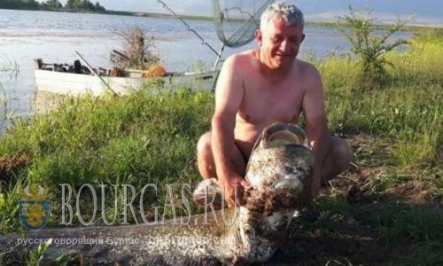 Из озера Берсин выловили 2-х метровую рыбу