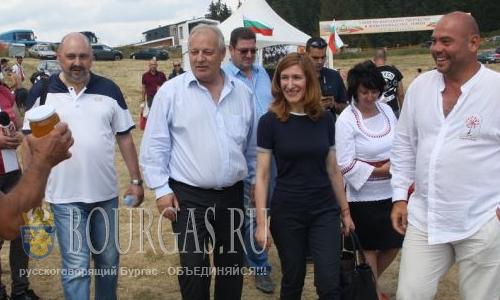 Николина Ангелкова на фестиваль в Рожене