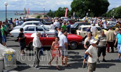 Парад ретро-автомобилей в Бургасе