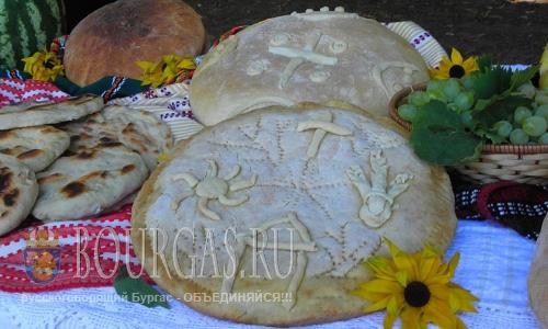 15 августа 2016 года, Болгария, Кюстендил, выставка богородичного обрядового хлеба ко дню Успения Пресвятой Богородицы