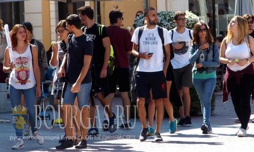 26 августа 2016 года, Пловдив, тысячи иностранных туристов посещают ежедневно город