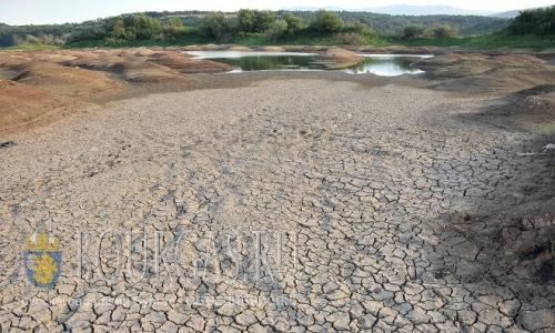 28 августа 2016 года, Монтана, в озере Огоста из-за засухи серьезно упал уровень воды