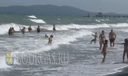 8 августа 2016 года, Болгария, Бургас, волнение моря 4-5 баллов