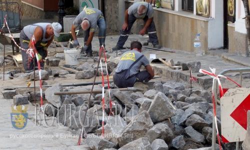 8 августа 2016 года, Болгария, Пловдив, ремонтные работы в архитектурном заповеднике Старый Пловдив