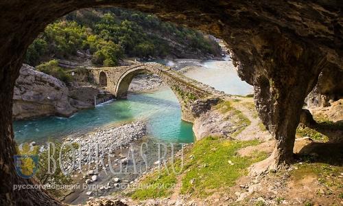 Болгары изучают туристическую Албанию