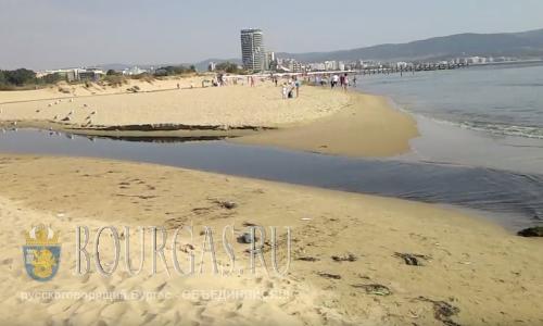 Сточные воды сбрасывают в 100 метрах от одного из пляжей СБ