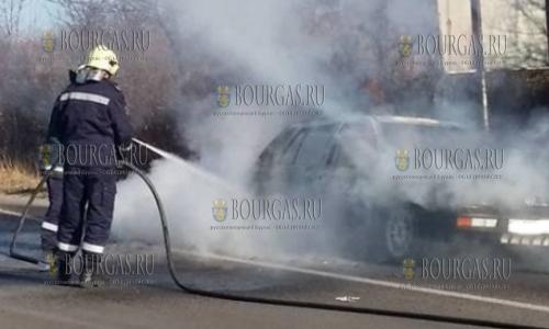 на улицах Варны горят автомобили