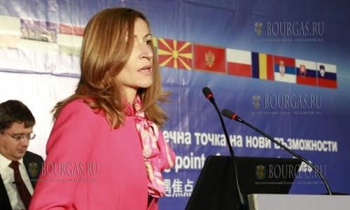 Николина Ангелкова - 4,5 млн туристов посетили Болгарию за 7 месяцев 2016 года