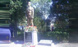 памятник Николе Станчеву в Твырдице