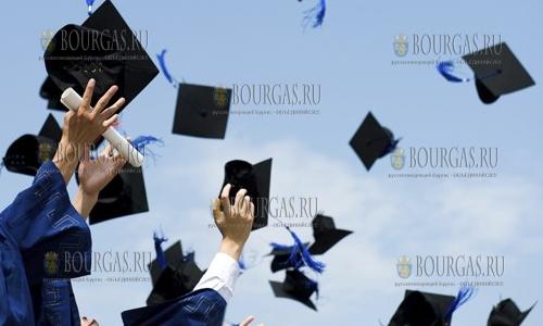 Студенты в Болгарии станут крепостными