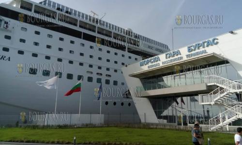 16 октября 2016 года, порт Бургас, пришвартовался круизный лайнер MSC Opera