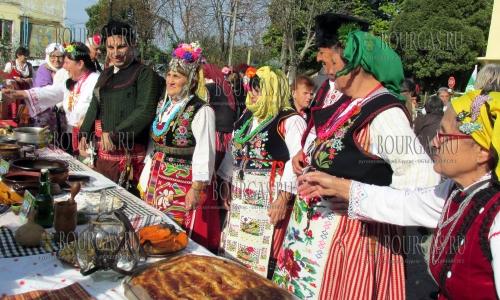 16 октября 2016 года, силистренское село Сребырна, кулинарный фестиваль - Гозбите на Добруджа, 120 участников приготовили 500 болгарских блюд