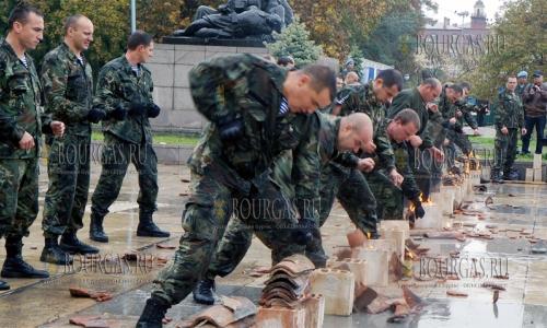 17 октября 2016 года, Пловдив, 72-й раз в стране празднуют День военного парашютиста Болгарии, свое матсерство показывлаи военнослужщие 68 бригады Специальных сил