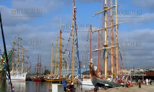 3 октября 2016 года, Варна, участники регаты Tall Ships в варненском морском порту