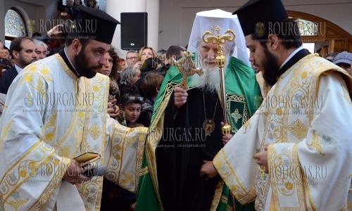 30 октября 2016 года, Асеновград, освящен новый храм Святого Архангела Михаила - в мероприятиях принял участие патриарх БПЦ Неофит, Болгарская православная церковь