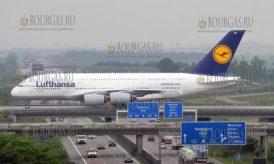 Самый большой пассажирский самолет в Мире в аэропорту Софии, Airbus A380 в Софии