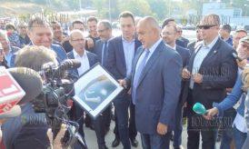 при участии премьера, Бойко Борисова - официально открыт рыбацкий порт в Черноморец