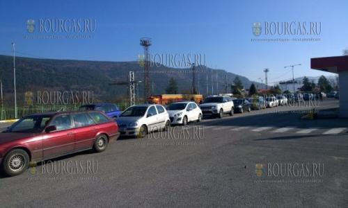 19 ноября 2016 года, ГКПП Калотина на болгаро-сербской границе, с утра здесь выстроилась огромная очередь с болгарской стороны